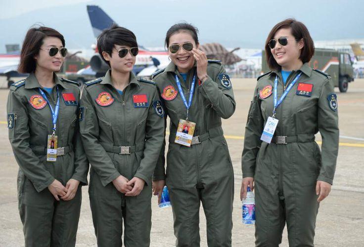 La Fuerza Aérea del Ejército Popular de Liberación, cuenta con su equipo de mujeres pilotos y  es la más grande de Asia y la tercera más grande del mundo detrás de la Fuerza Aérea de los Estados Unidos y la Fuerza Aérea Rusa.<br/>