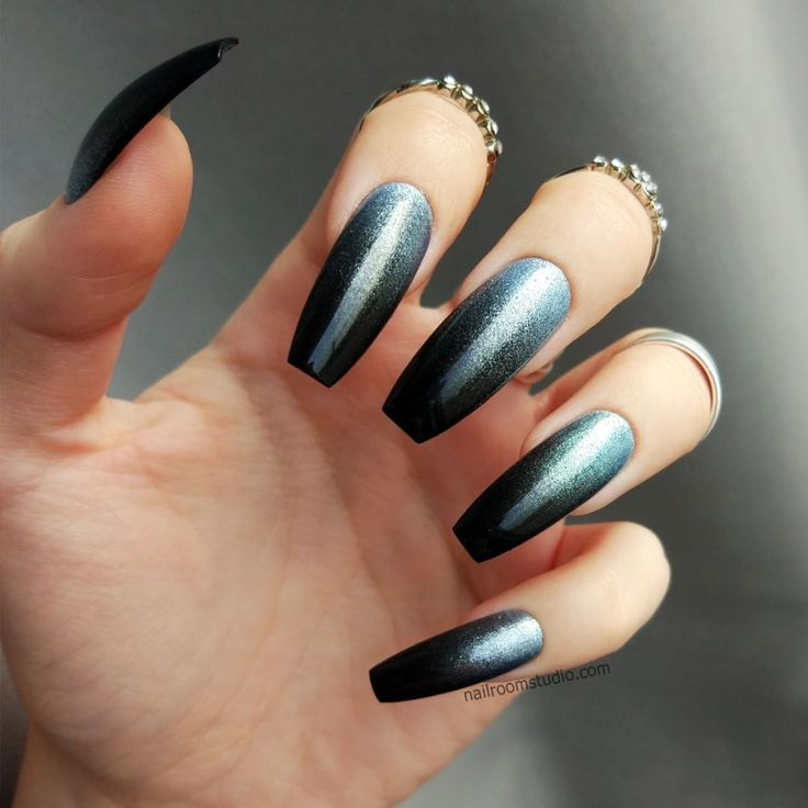 Baby blue & black ombre in coffin shape. Custom press on nails. Long coffin false nails. Nail shop nailroomstudio.com
