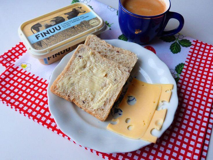Dobrze jest rozpocząć dzień od kanapek z pysznym masłem Finuu <3 #Finuu #bezkonserwantow #pyszniebozfinuu #naturalneismaczne  https://www.facebook.com/photo.php?fbid=1320429024669856&set=o.145945315936&type=3&theater