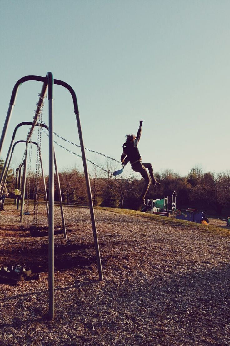 Parce que dans mon coeur je suis encore une enfant, je m'amuse, je profite de la vie et je suis heureuse :)
