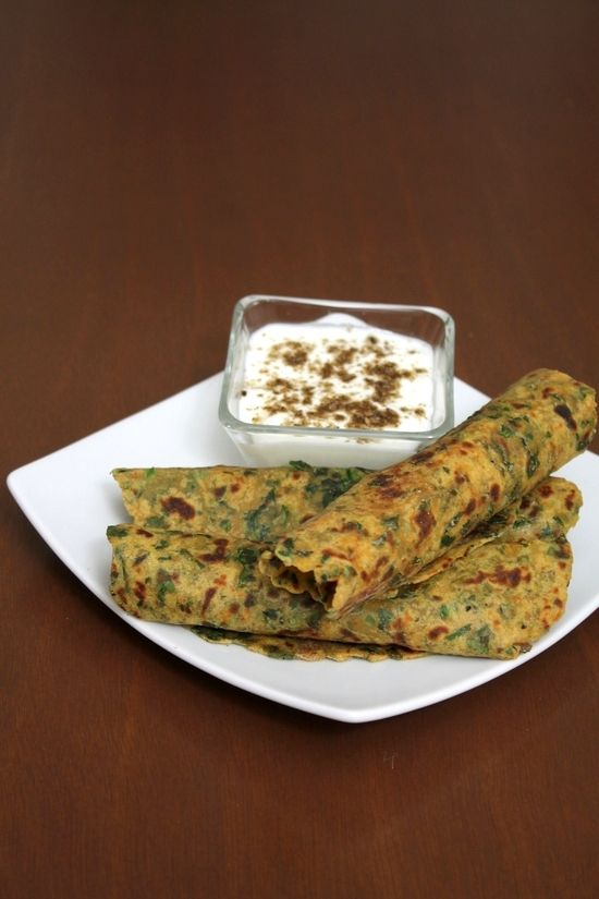 healthy breakfast paratha recipe made with whole wheat flour, fenugreek leaves, boiled mashed potatoes and spiced with some spices.