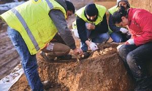 Marmaray inşaatının devam ettiği Pendik Höyüğü'nde 8 bin 500 yıllık (neolitik dönem) İstanbulluların izlerine ulaşıldı. Tarihi höyükte taş devri insanına ait yeni kemikler bulundu. Anadolu Yakası'nın en eski yerleşim alanı olarak bilinen Pendik Höyüğü'nde çalışan arkeologların 19...      Kaynak: http://www.kartal24.com/2013/01/page/17/#ixzz2Joh1dCH4