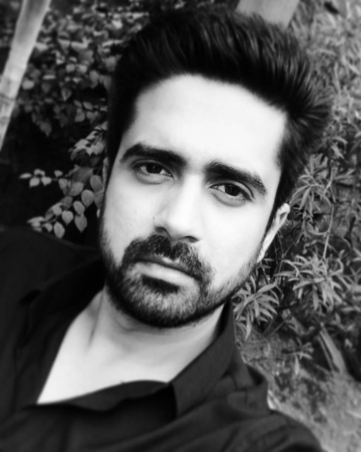 """avinashsachdev: """"#quboolhai #armaan #arrogant #newchallenge #hopingforthebest  Loving to portray my character of Armaan in QuboolHai will try my level best to justify it and entertain you guys.Thank you so much for all your support means alot!!"""""""