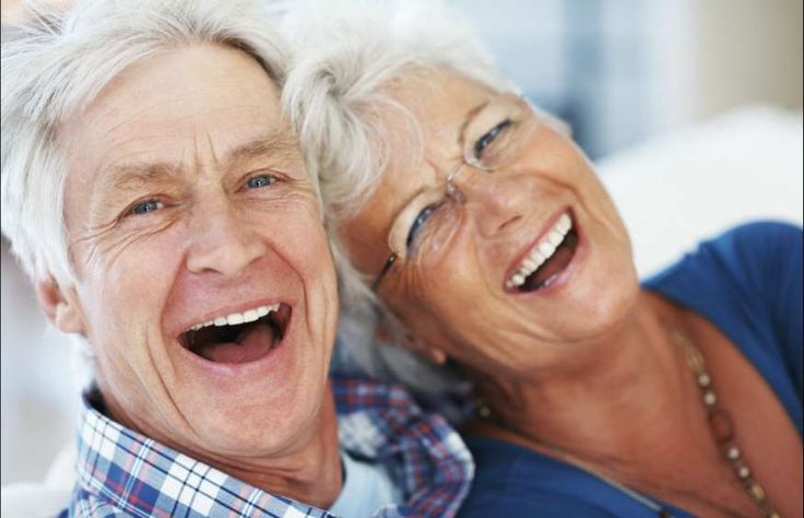 Cuidados com a saúde bucal devem redobrar após os 50