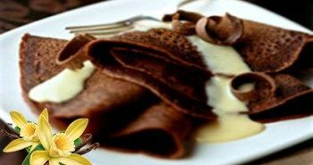 Clatite negre cu sos de vanilie