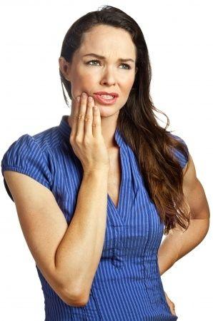 Un fuerte dolor en la encía es provocado por la muela de juicio o es otra cosa?