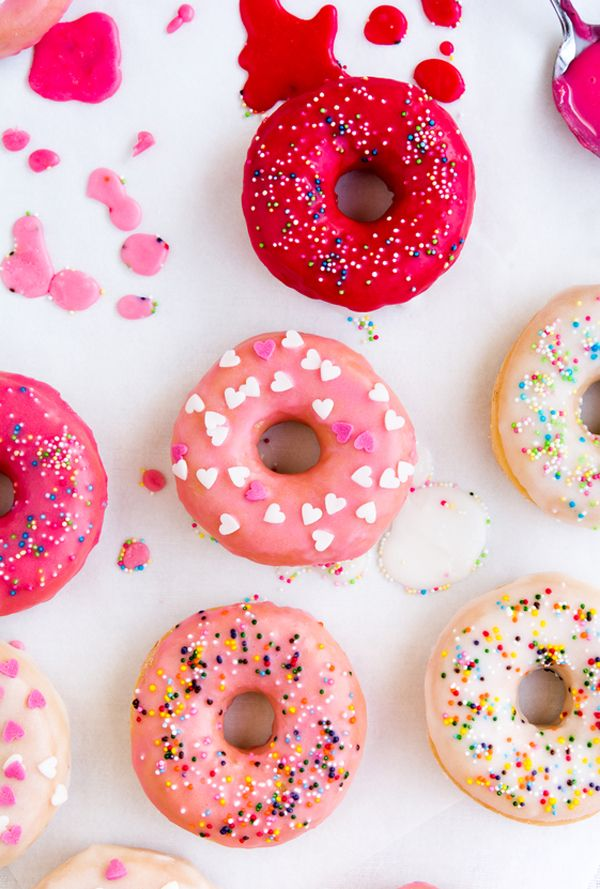 DIY colorful glaze for donuts