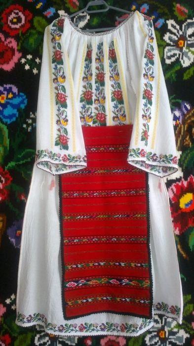 Costum popular Oltenesc. Zona: Oltenia, Romania #  Acul si Ata ≈ 380 €