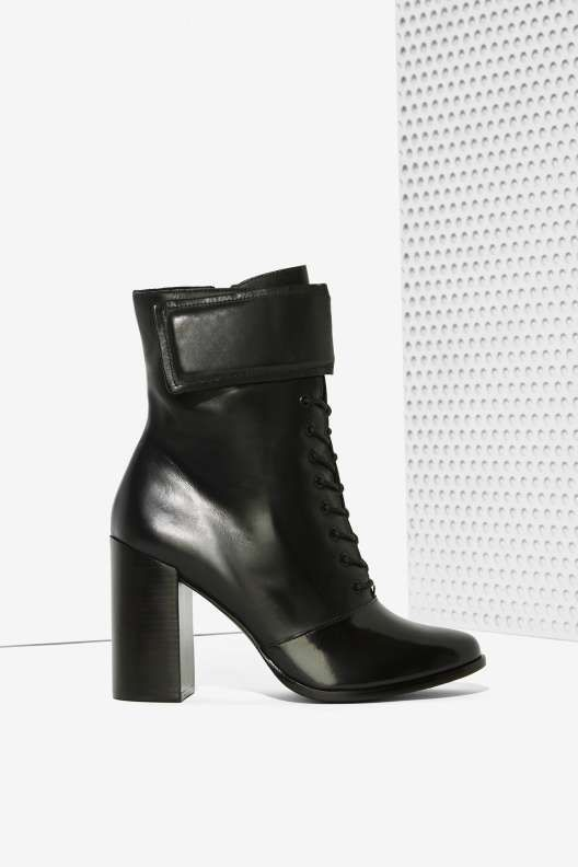 black, leather and lace-up, the three must-haves for my fall boots