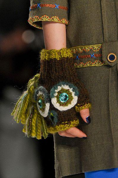 Anna Sui F/W '12 - accessory details