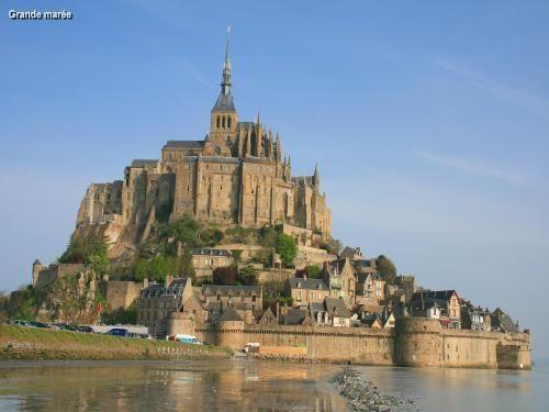 La baie du Mont-Saint-Michel: Jour de grande marée (© Jean Espirat) - France-Voyage.com