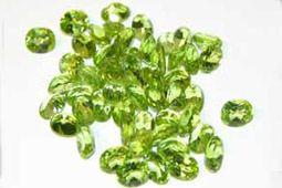 What's My Birthstone | Peridot is the August Birthstone. Find Birthstone Jewellery by Booth and Booth