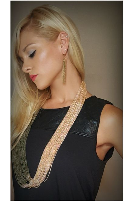 Heavy, Chunky Chain Necklace & Chain Earrings. Color: Gold/Bronze.