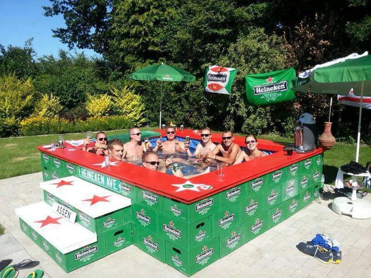 Pool Aus Bierkisten