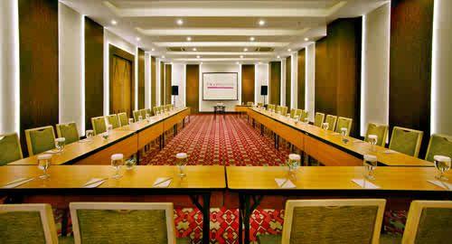 Meeting Room Fave Hotel Braga Bandung