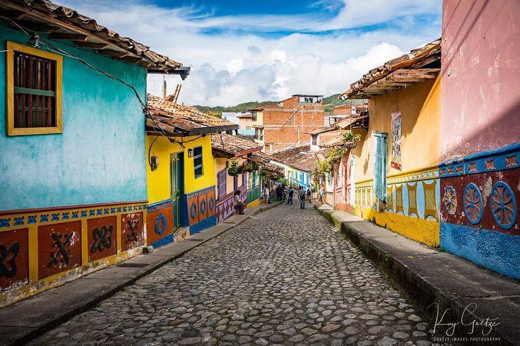 Beautiful city of Guatapé  #guatape #colombia  #elpenon #southamerica #medellin #ig_colombia #bogota #myunicornlife #aroundtheworld #aroundtheworldpix #sunshine #atmosphere #romantic #travel #travelphotography #Holliday #architecture #architecturephotography #streetphotography #landscape #landscapephotography #cityscape #sonyalpha #picoftheday #lightroomeffect #beboundless #sony #sonyalpha @visit_colombia @discover.colombia @discover_colombia @travelandleisure @natgeotravel…