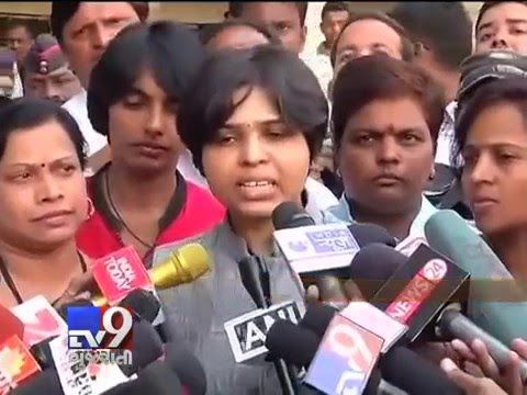 Shani Shingnapur: Women protesters met Shani Shingnapur temple authorities today for a solution to the restriction on women in the core area of the temple. A meeting was mediated by district DM for a solution on the matter.    Subscribe to Tv9 Gujarati https://www.youtube.com/tv9gujarati Like us on Facebook at https://www.facebook.com/tv9gujarati Follow us on Twitter at https://twitter.com/Tv9Gujarat Follow us on Dailymotion at http://www.dailymotion.com/GujaratTV9