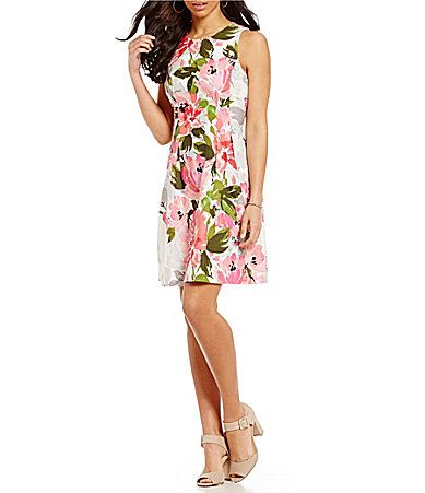 Getting to Know You. AVAILABLE AT DILLARDS! Vince Camuto Spring Floral FitandFlare Dress #Dillards