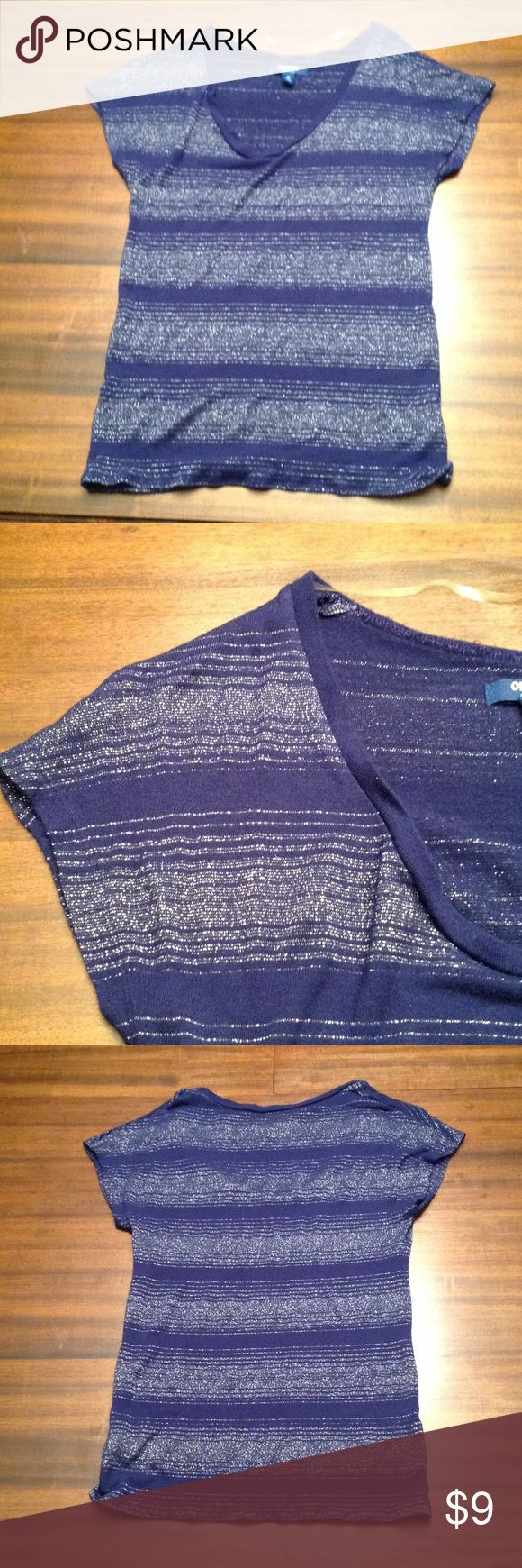 OLD Navy Blue & Silver top XS OLD NAVy dark blue and silver metallic tee. It is and XS and in very good condition Old Navy Tops Tees - Short Sleeve