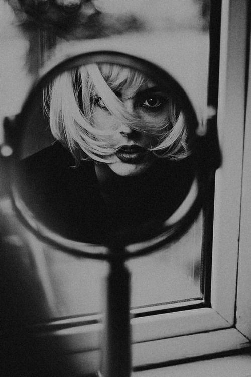 25 b sta id erna om autoportrait p pinterest photo for Autoportrait miroir