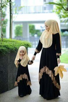 Round Border Top Waist Lace Top Abaya
