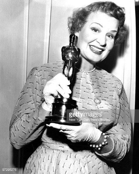 Tonight 3-19 in 1953, the 25th Academy Awards were held - it was the first time the program was broadcast on TV. Winners included Shirley Booth (shown here) for Best Actress, Gary Cooper - Best Actor and John Ford won Best Director for The Quite Man. #SableFilms #Oscars