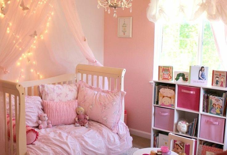 niña cama dosel habitacion mesa silla ideas