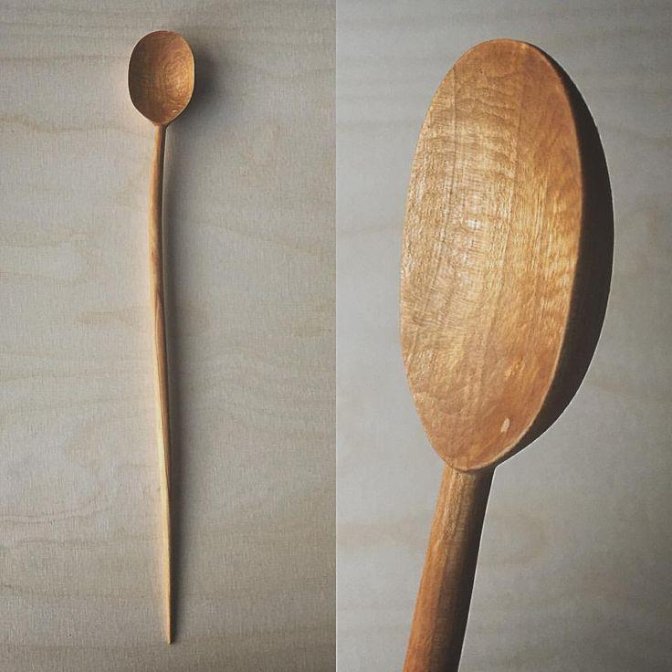 Carved a new spoon. When the wood dryed, it bend into this lovely wabi sabi-shape.. #design #form #woodcarving #woodworking #handmade #hantverk #handgjort #interiordesign #kitchentools #tälja #spoon #woodenspoon #hemslöjd #SlowLiving #woodworker #woodworkers #finewoodwork #craft #crafting #woodshop #residencemag #elleinterior #rum #wabisabi