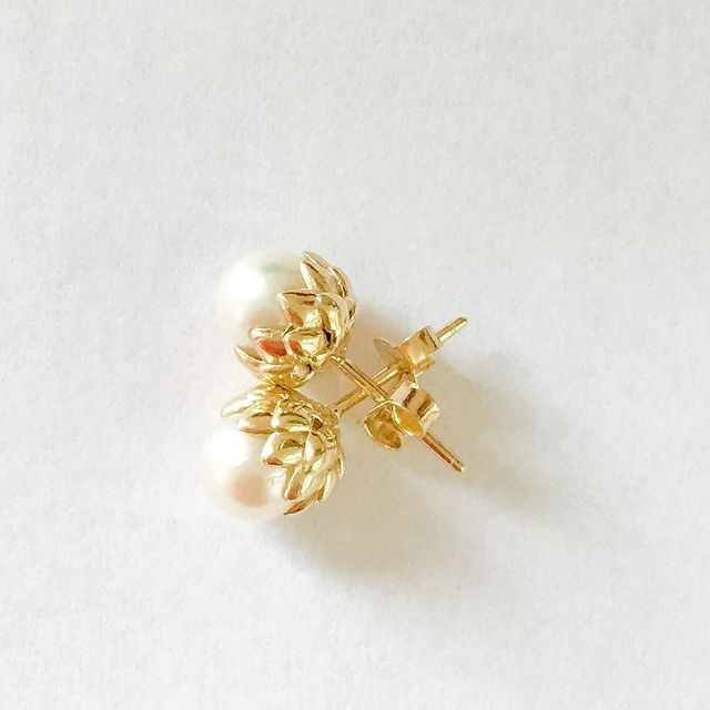 Classic Pearl earrings with a twist