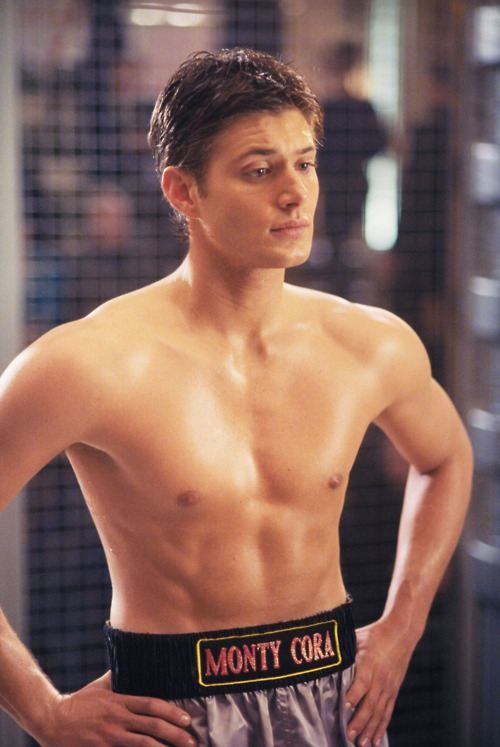 jensen ackles=stud muffin, why? Just why does he have to be so damn sexy?