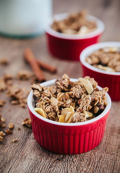 Some the Wiser: Chunky Apple Pie Granola