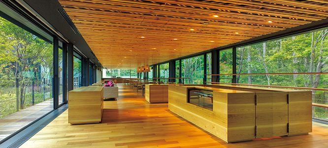 森のテクスチャーを取り入れた、永山祐子設計のホール。   カーサ ブルータス