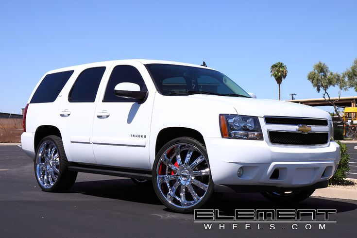 2007 Chevy Tahoe On 26 Inch Rims Find the Classic Rims of Your Dreams - www.allcarwheels.com