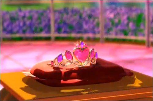 Gaurdania's magical crown - princess charm school - barbie-movies Photo