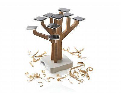 Zonnepanelen boom, voor het opladen van mobiele telefoon of MP3 speler. Relatiegeschenk.nl voor al uw onbedrukte en bedrukten relatiegeschenken.