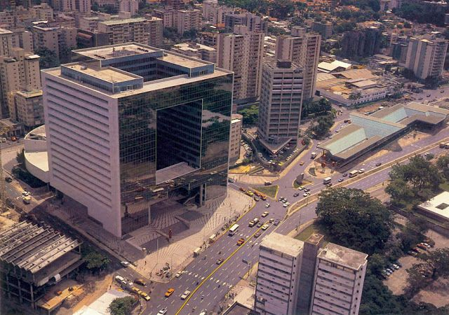 By @zonarquitec: Parque Cristal_Caracas_Venezuela #Arquitectura