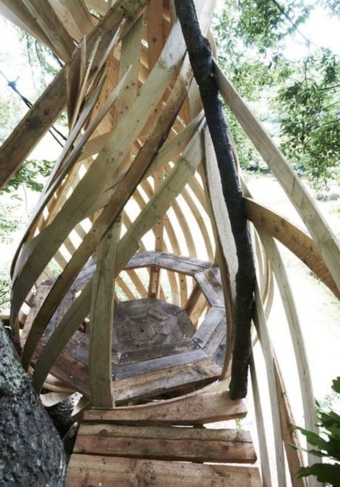 Nest-Like Treehouse Uses Glue-Laminated Timber (Video) : TreeHugger
