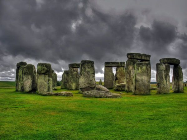 """an analysis of stonehenge as a great structure Analysis by archeoastronomer  the """"watch house"""" is the name given to a chamber structure located  we know of the great stonehenge complex in england."""