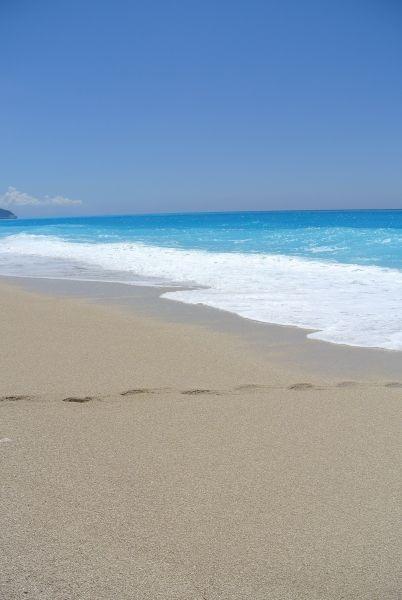 Sandy shore in Egremni