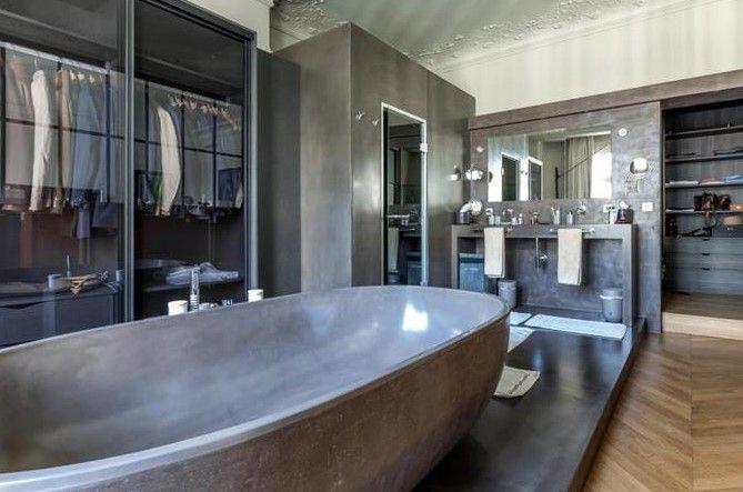 Tener un guardaropa así es un sueño! Descubre que otras cosas tiene este fantastico #apartamento en #Paris.