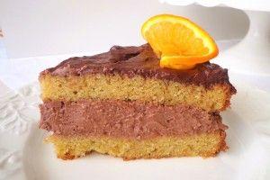 Troverai ricette di dolci davvero per tutti i gusti: dolci al cucchiaio, torte, semifreddi, gelati, crepe, crostate, pasticcini ma anche marmellate