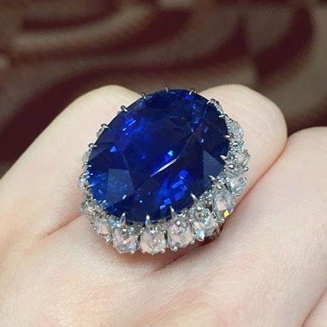 27cts CeylonSapphire and Diamond Ring from @christiesjewels via @happycaroline329