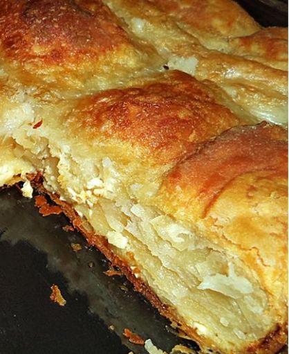 Τυρόπιτα με πανεύκολο χειροποίητο φύλλο σφολιάτας και γέμιση από σιμιγδαλόκρεμα με τυρί!!!
