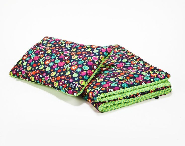 Tasty and fresh looking pillow and blanket bedding set, ideal for cots and child beds.  http://peekabooshop.uk/shop/bedding-sets/bedding-set-rainbow-apples-green-flowers-size-s/