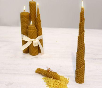 Os enseñamos a hacer una vela con lámina de cera de abejas, una vela natural y muy sencilla de hacer.