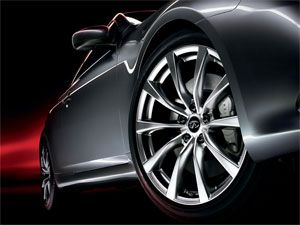2008 Infiniti G37 Sport Package with 19-inch aluminum rims and 14-inch brake rotors