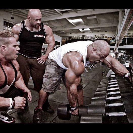 Jay Cutler pumping some iron! buff.ly/1newrcH #deerantlerspray #jaycutler #bodybuilding #bodybuilder #workingout #gym #muscle #bodybuilder #pumpingiron