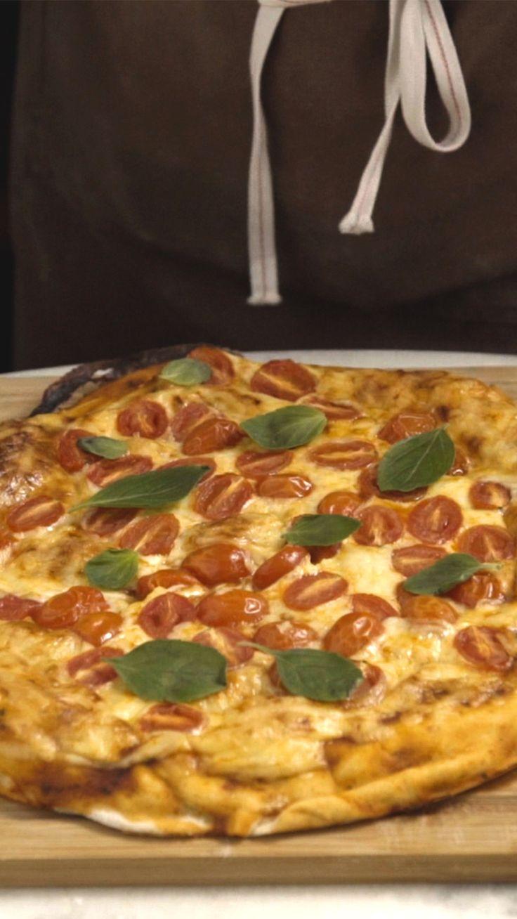 Que tal sair da rotina e preparar uma pizza super macia, deliciosa e recheada…