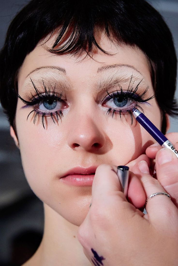 'Euphoria'Style Makeup Looks Ruled the NYFW Runways
