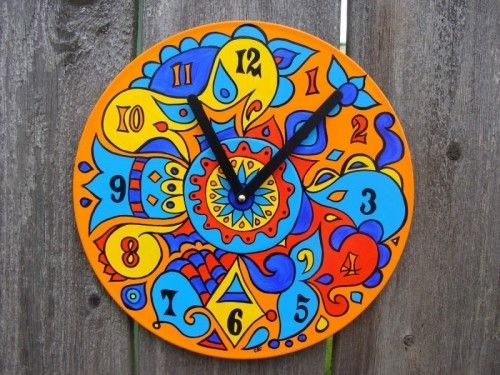Christine Claringbold seems to find these vinyl records a new destination. She gave them a new life by transforming them into new clocks.  Painted vinyl record!: Colors Clocks, Art Crafts, Christine Baileys, Art Vision, Popsicles Clocks, Art Colors, Attraction Clocks, Baileys Claringbold, Records Clocks